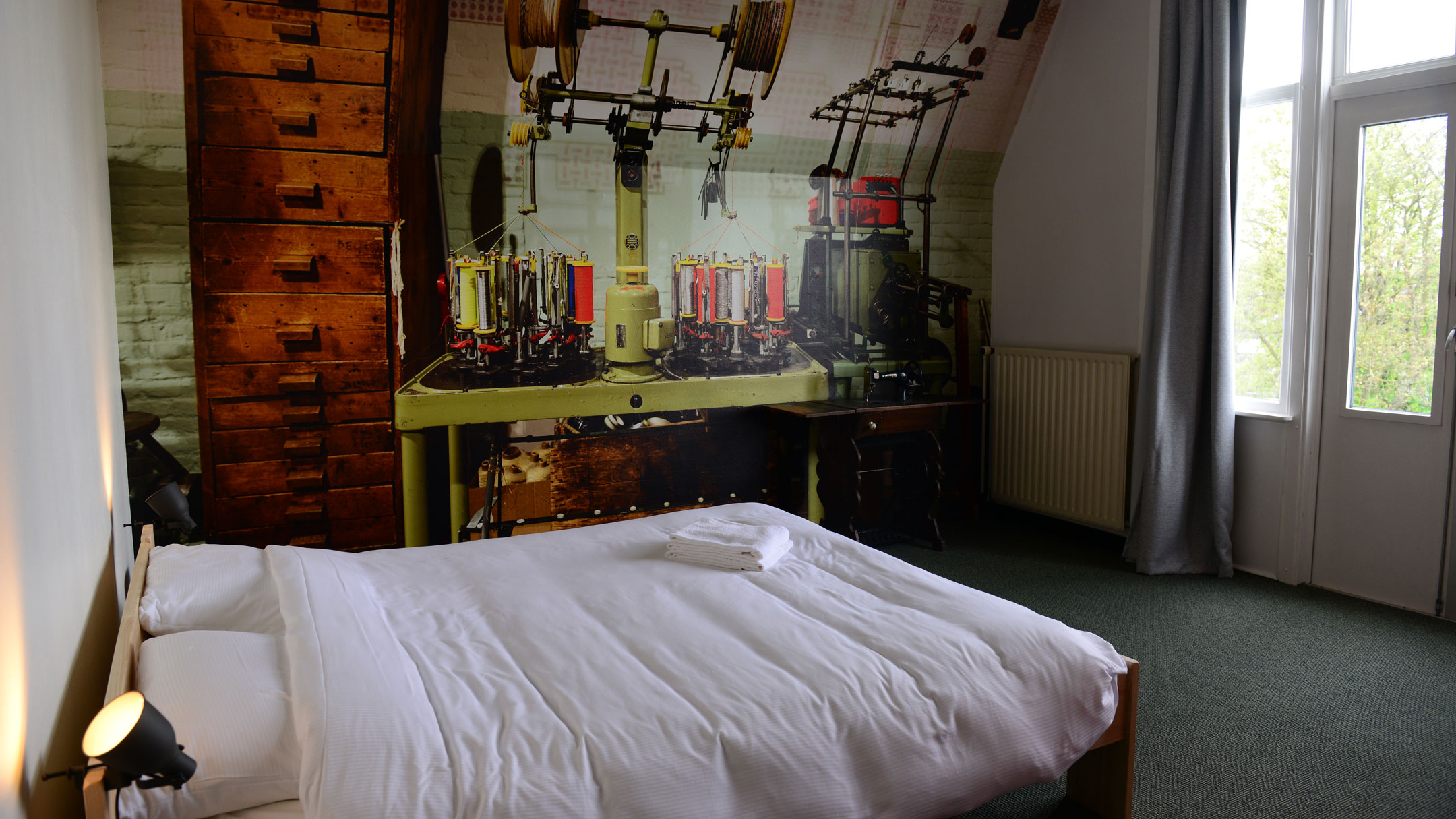Hostel Roots Tilburg - Deluxe private double room