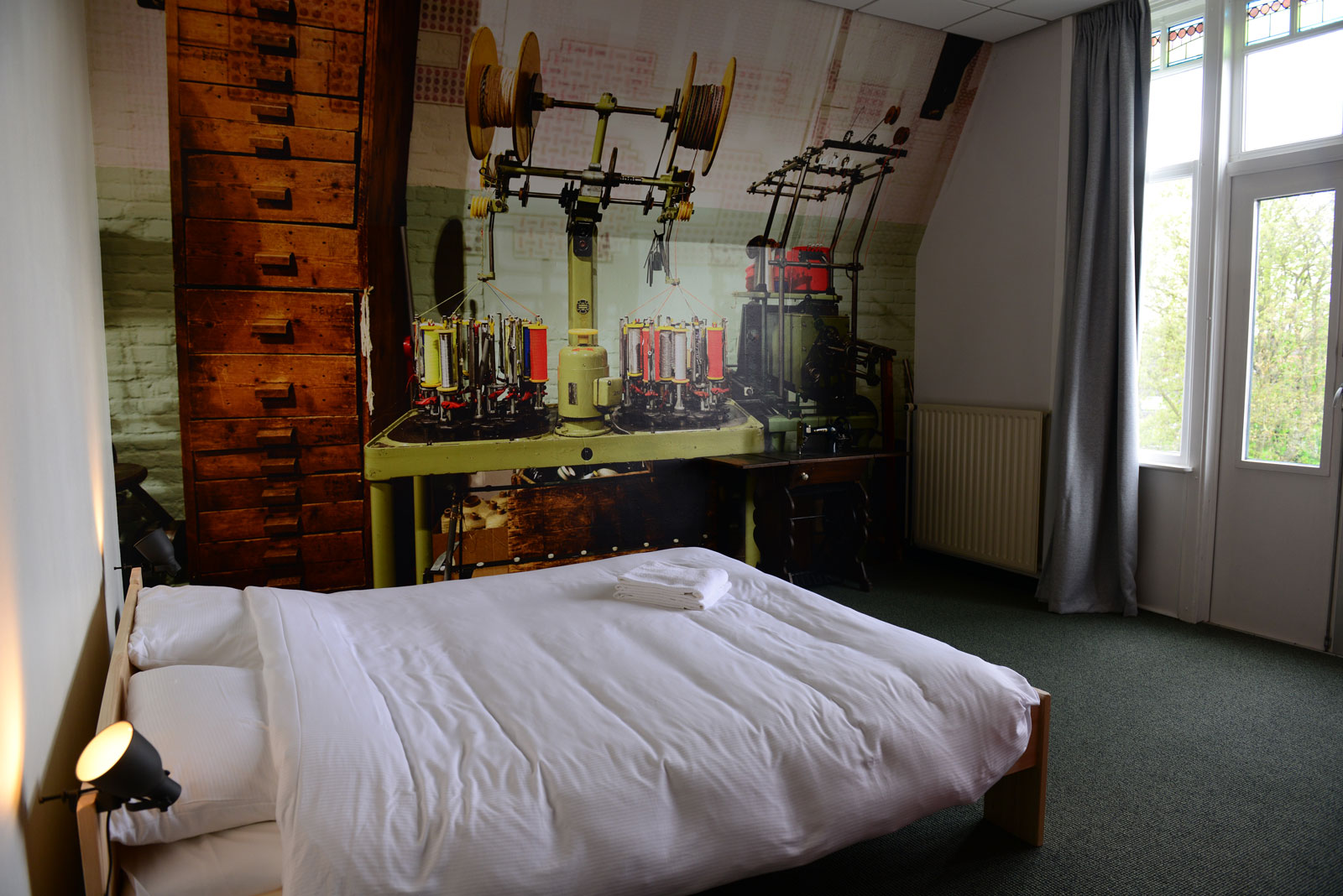 Hostel Roots Tilburg - Deluxe Private Double Room - slider foto 2