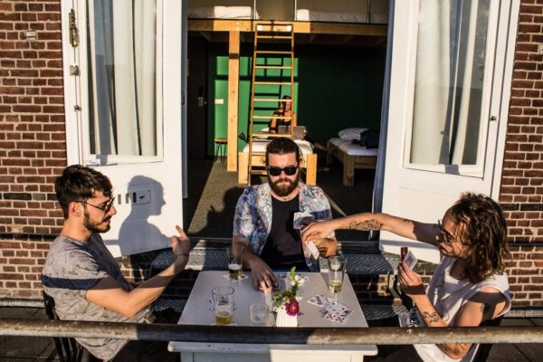boek je vakantie met vrienden bij Hostel Roots